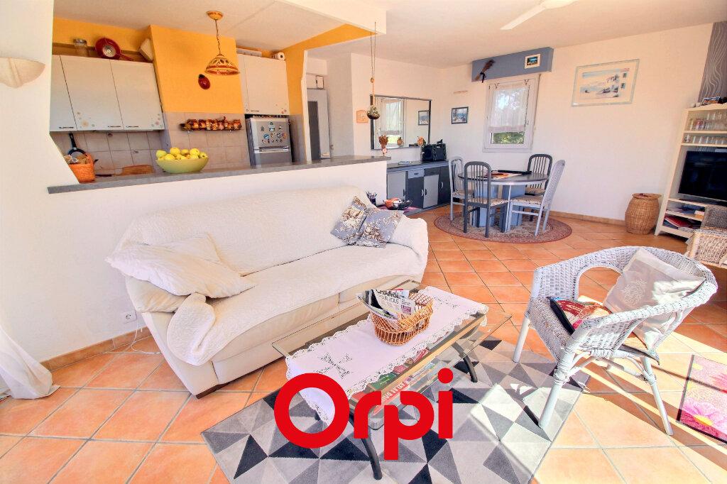Appartement à vendre 3 61.9m2 à Bandol vignette-3