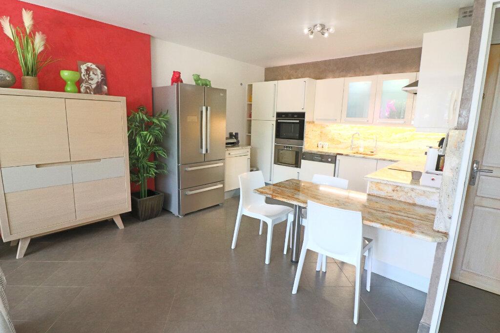 Appartement à vendre 3 52.79m2 à Bandol vignette-3