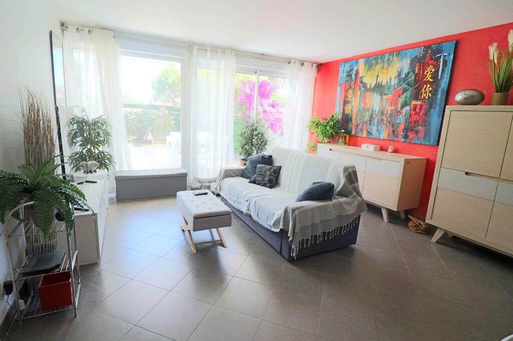 Appartement à vendre 3 52.79m2 à Bandol vignette-4