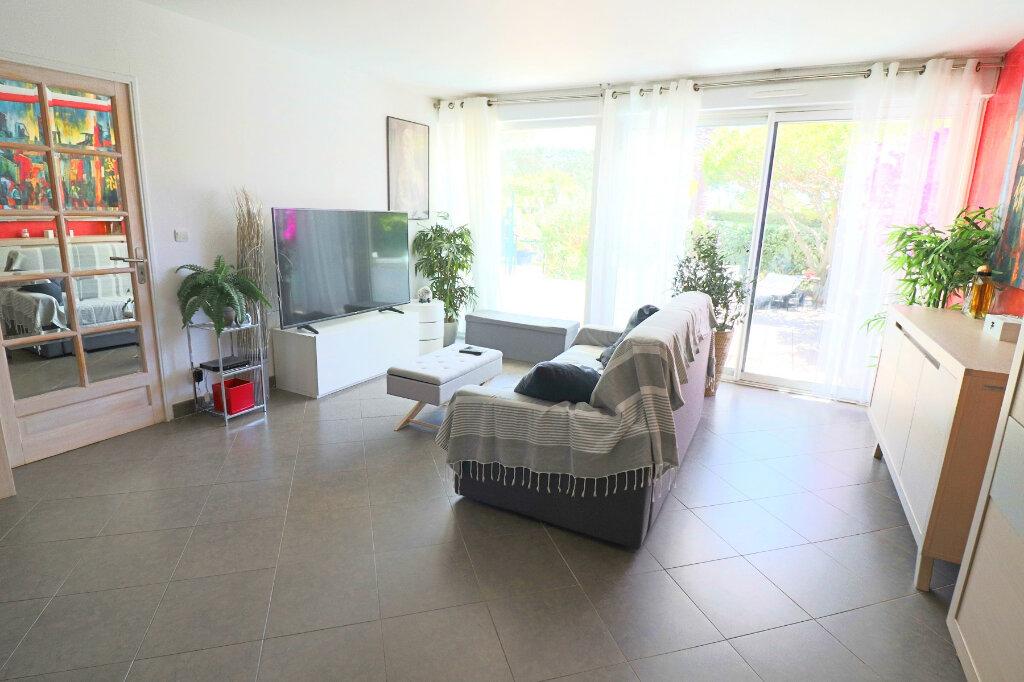 Appartement à vendre 3 52.79m2 à Bandol vignette-5