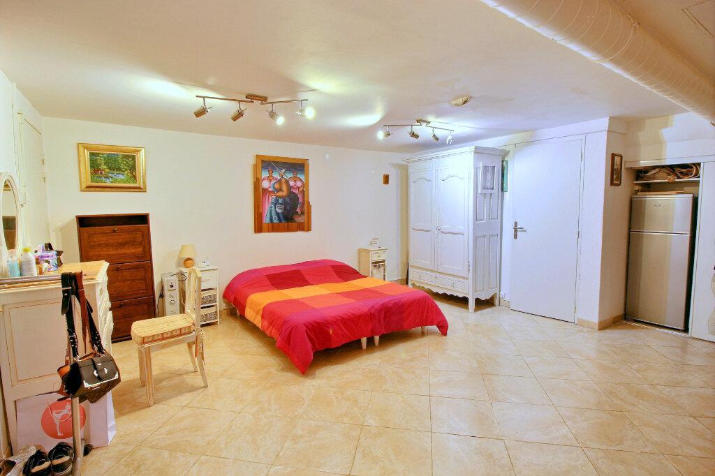 Appartement à vendre 3 52.79m2 à Bandol vignette-8