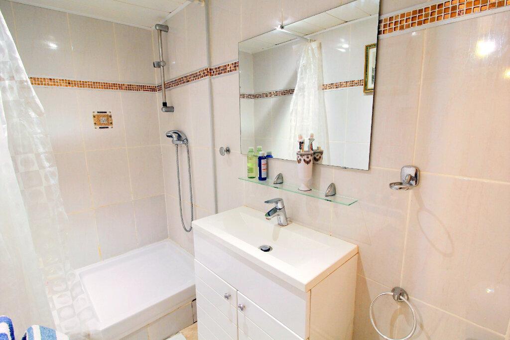 Appartement à vendre 3 52.79m2 à Bandol vignette-9