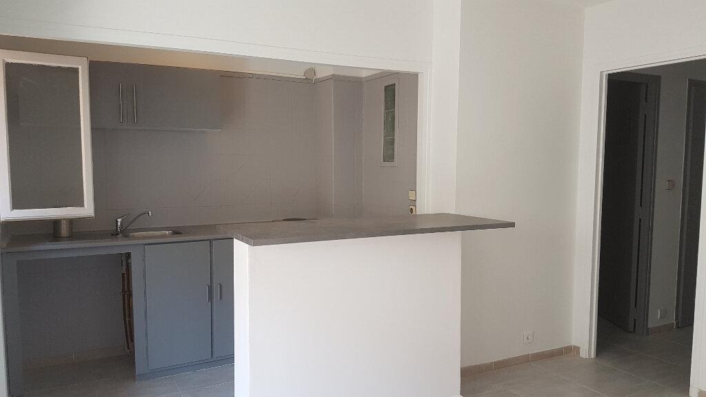 Appartement à louer 2 27m2 à Bandol vignette-5
