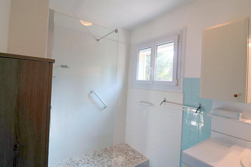 Appartement à vendre 3 79.84m2 à Bandol vignette-5