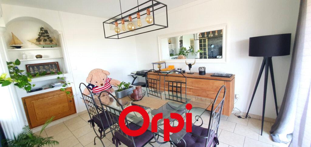 Appartement à vendre 3 66.84m2 à Bandol vignette-3