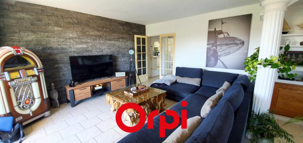 Appartement à vendre 3 66.84m2 à Bandol vignette-4