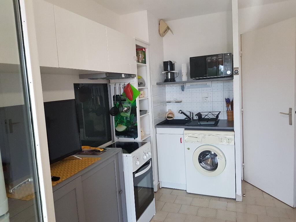 Appartement à louer 2 23.09m2 à Bandol vignette-4