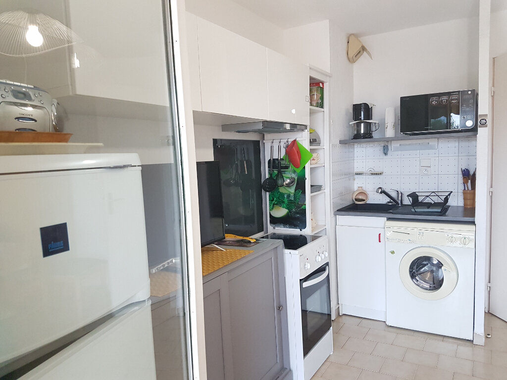 Appartement à louer 2 23.09m2 à Bandol vignette-5