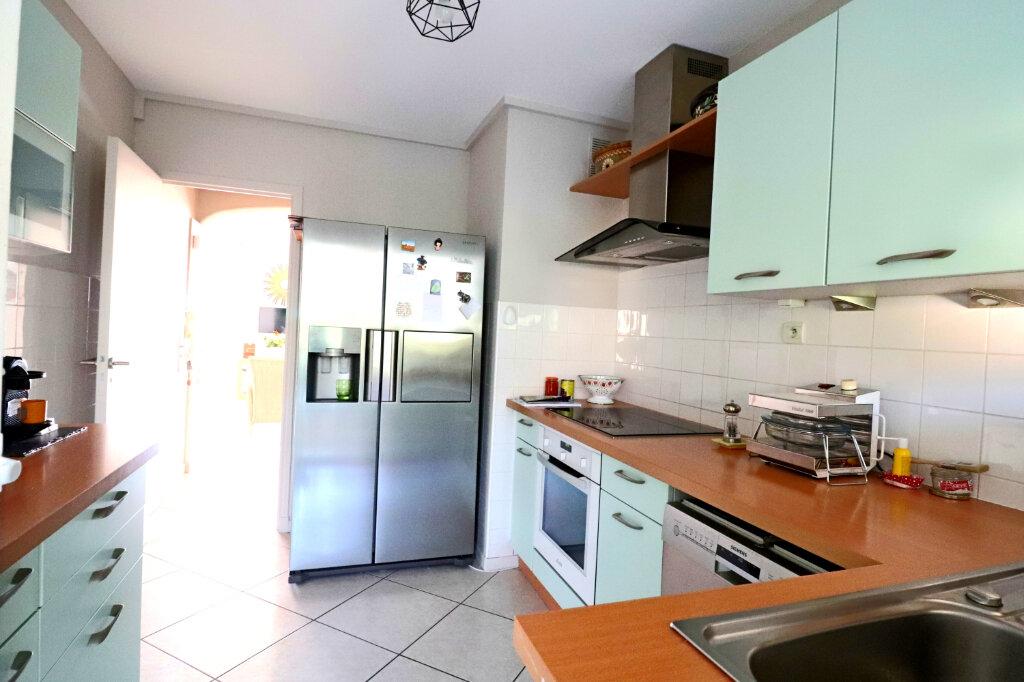 Appartement à vendre 4 81.2m2 à Bandol vignette-5