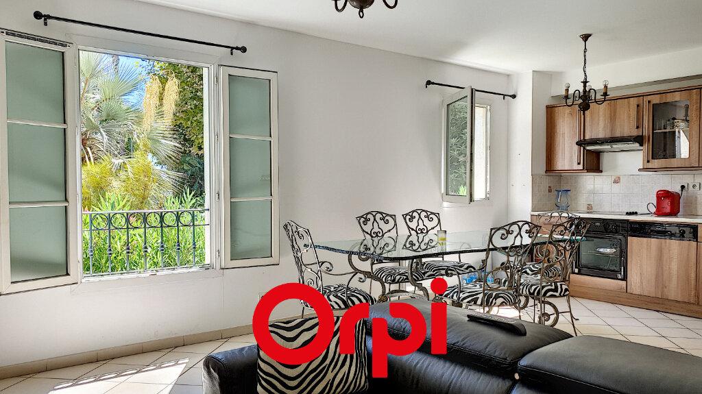 Appartement à vendre 3 72.2m2 à Sanary-sur-Mer vignette-1