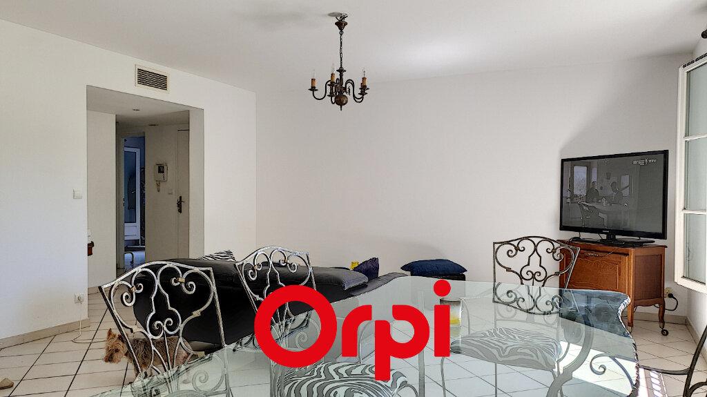 Appartement à vendre 3 72.2m2 à Sanary-sur-Mer vignette-2
