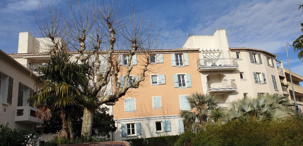 Appartement à vendre 3 72.2m2 à Sanary-sur-Mer vignette-8