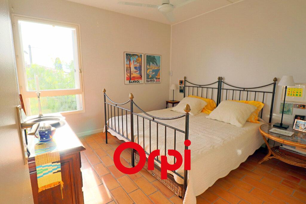 Appartement à vendre 4 64.06m2 à Bandol vignette-6