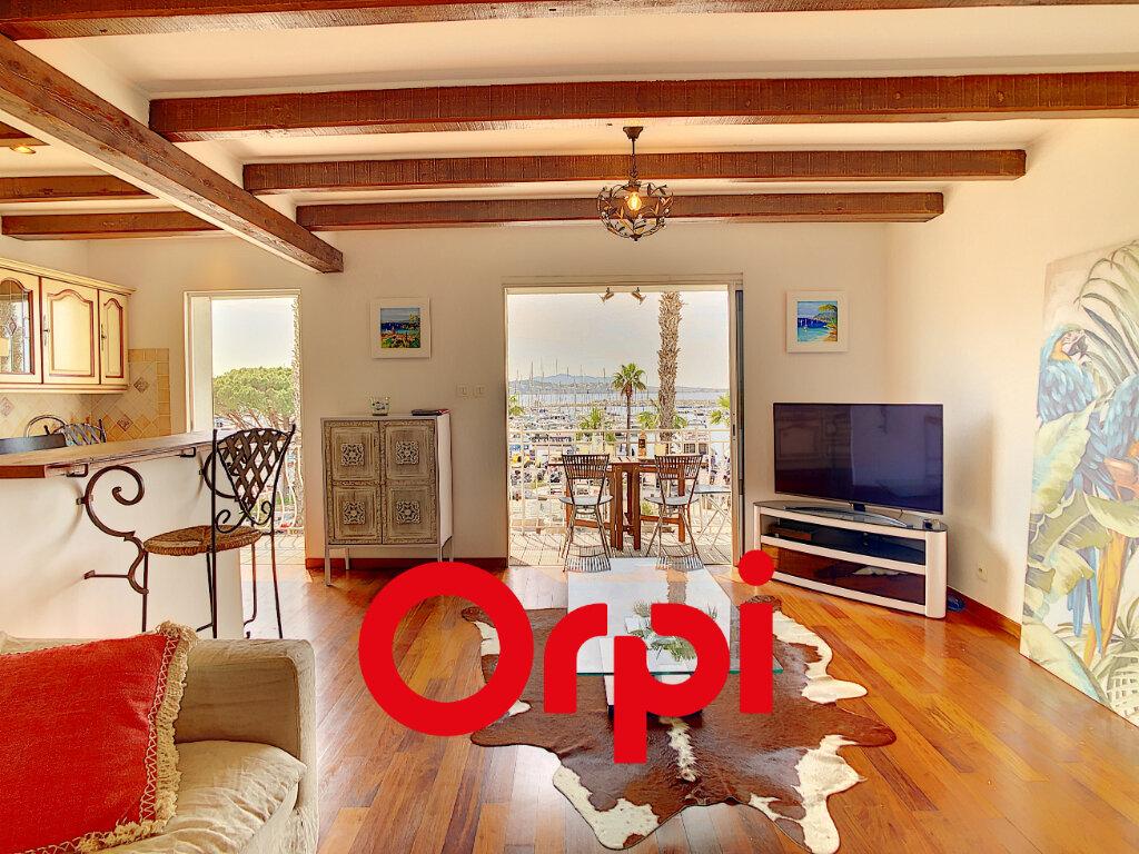 Appartement à vendre 3 70.41m2 à Bandol vignette-2