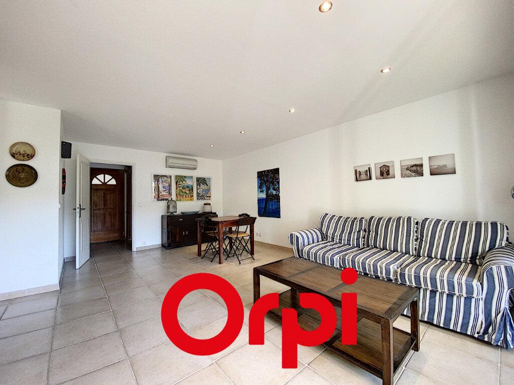 Appartement à vendre 4 78.5m2 à Bandol vignette-4