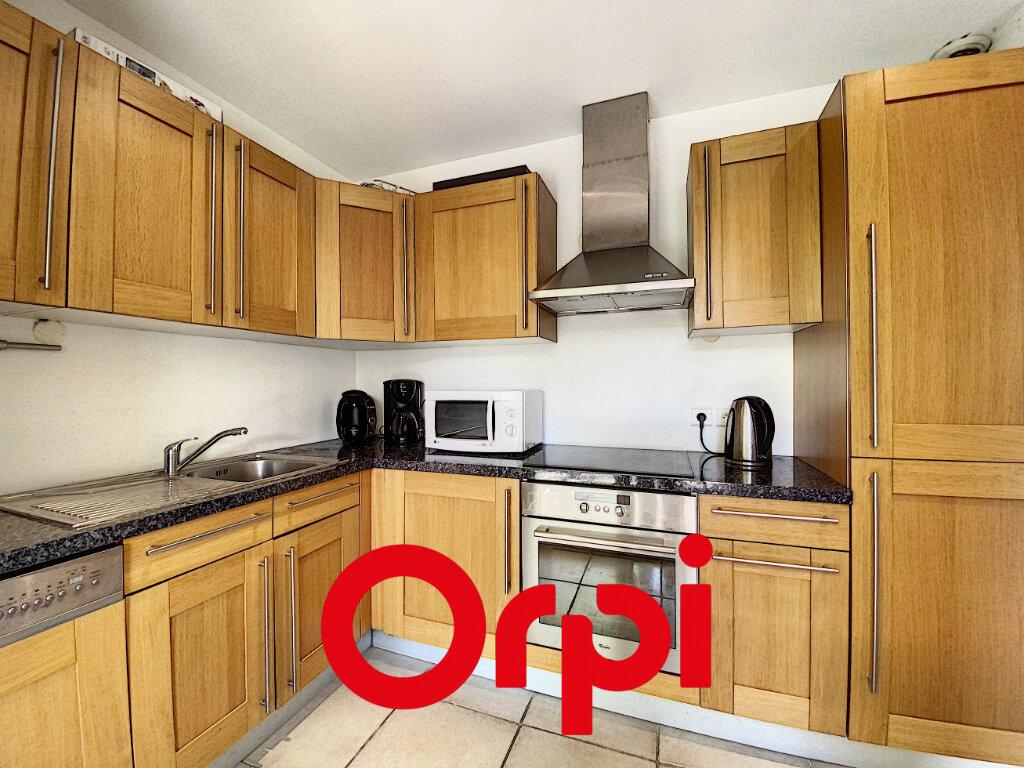 Appartement à vendre 4 78.5m2 à Bandol vignette-6