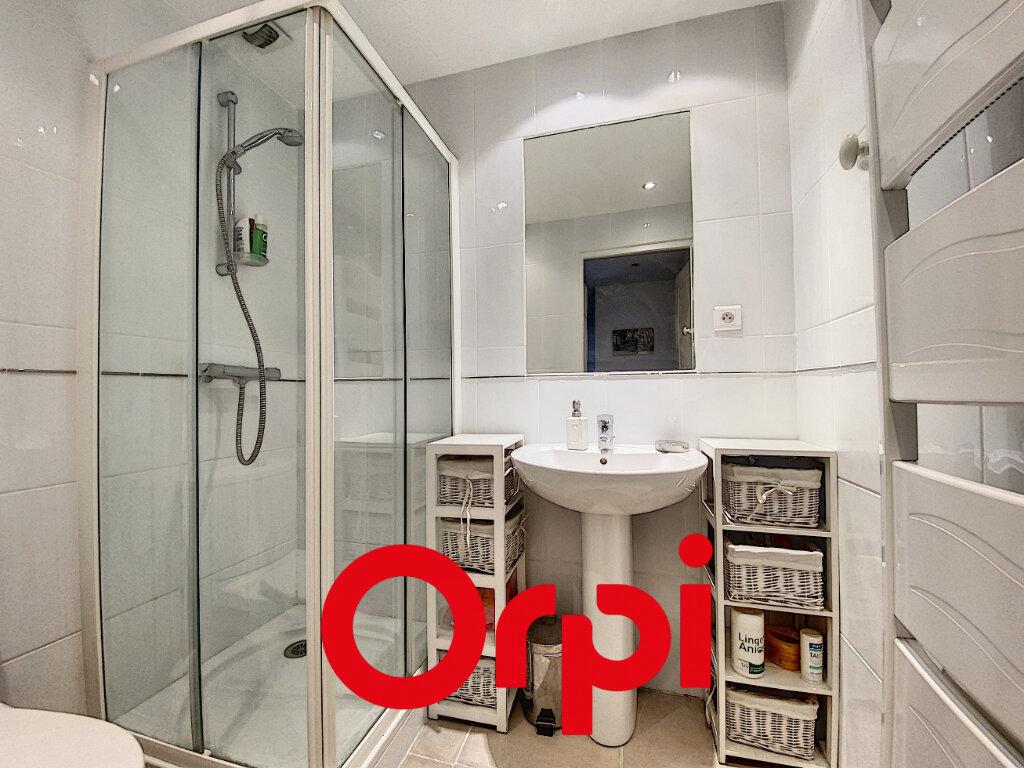 Appartement à vendre 4 78.5m2 à Bandol vignette-8