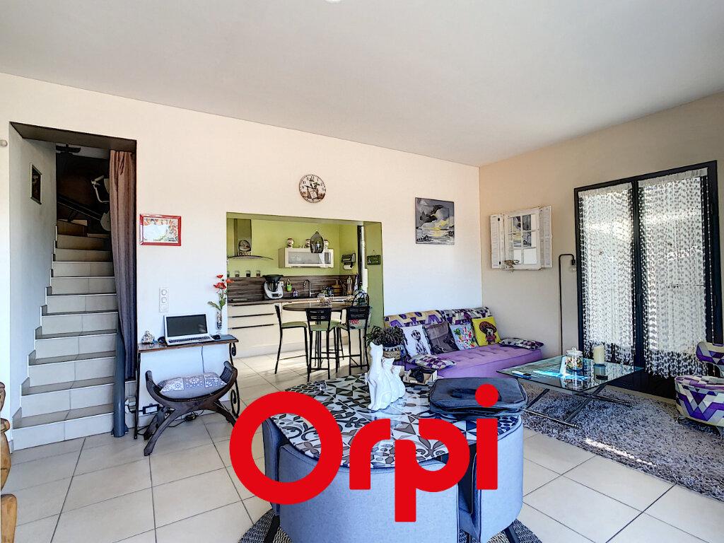 Appartement à vendre 3 65.21m2 à Bandol vignette-2