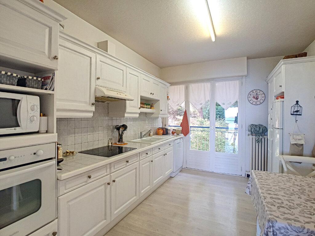 Appartement à vendre 4 94.27m2 à Bandol vignette-6