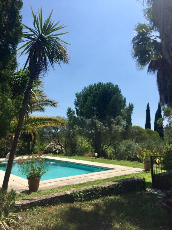 Maison à vendre 9 234m2 à Le Castellet vignette-4