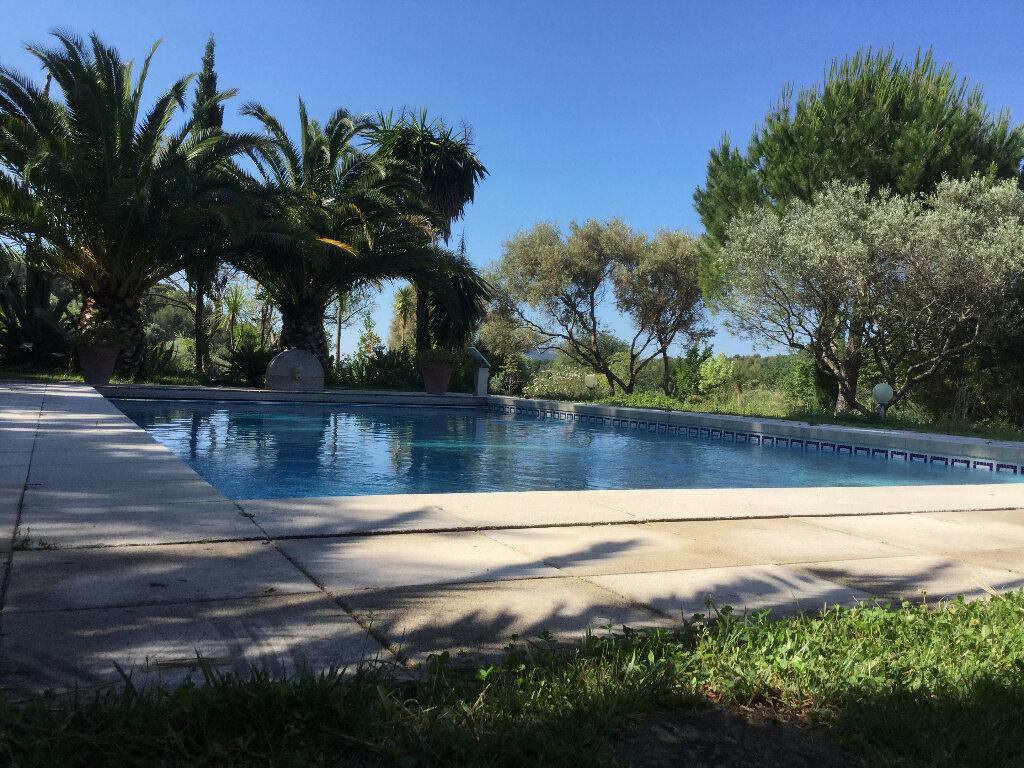 Maison à vendre 9 234m2 à Le Castellet vignette-16