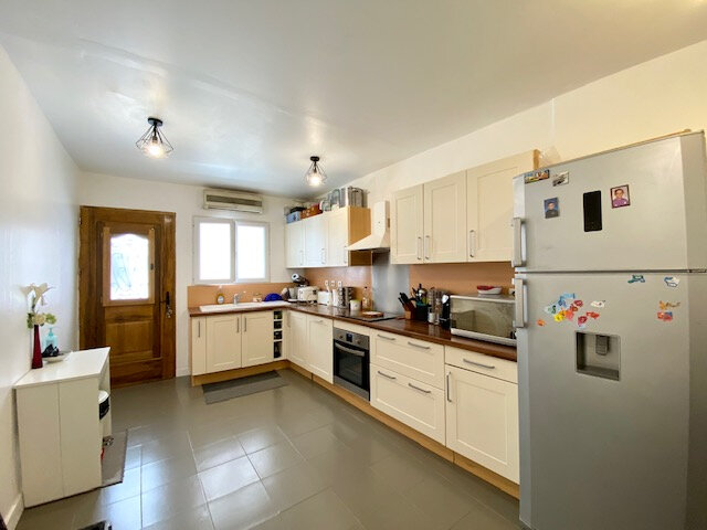 Maison à vendre 4 100m2 à Le Beausset vignette-2