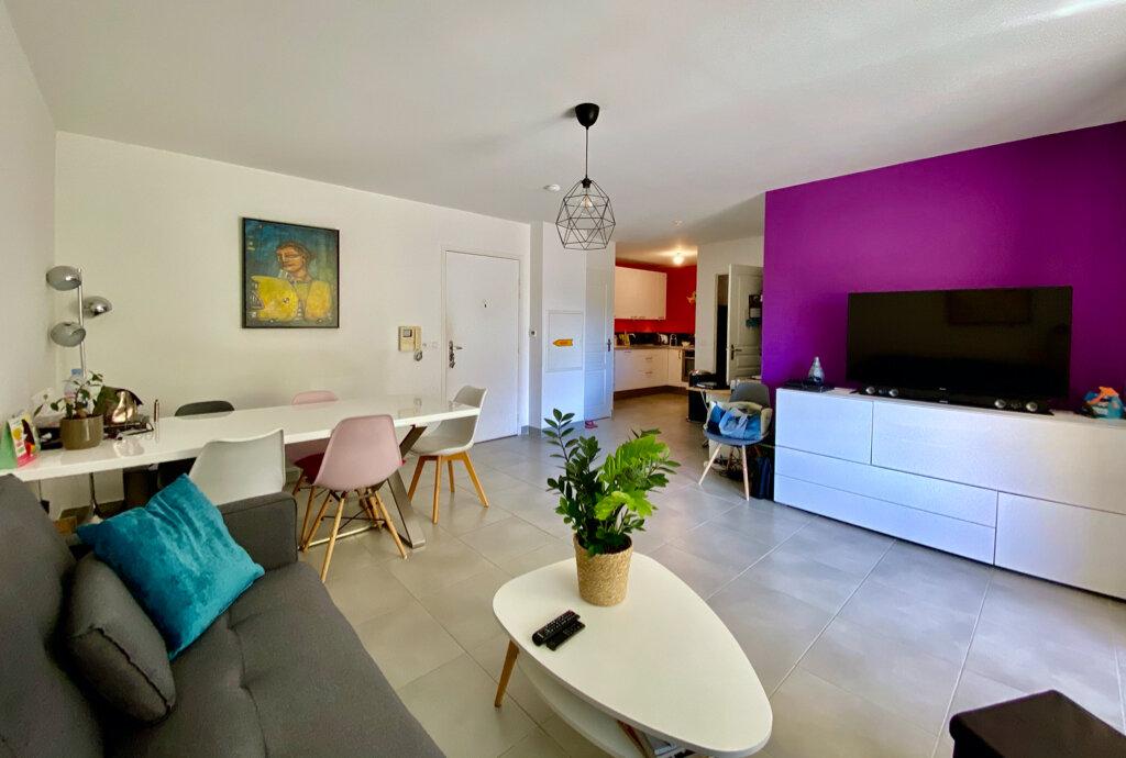Appartement à vendre 3 64m2 à La Seyne-sur-Mer vignette-1