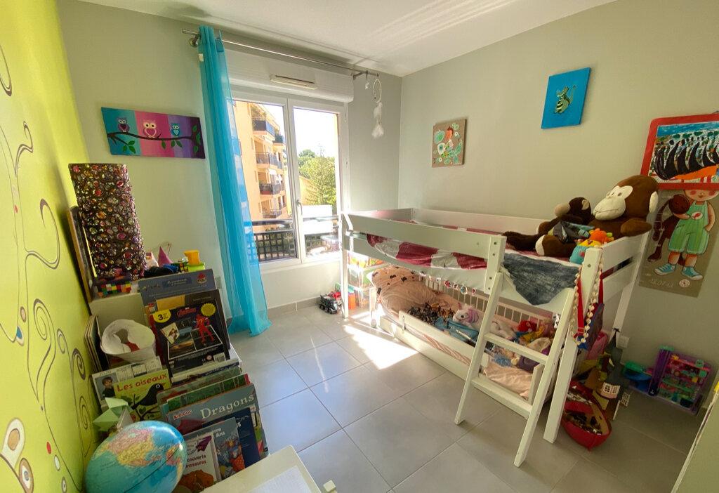 Appartement à vendre 3 64m2 à La Seyne-sur-Mer vignette-6