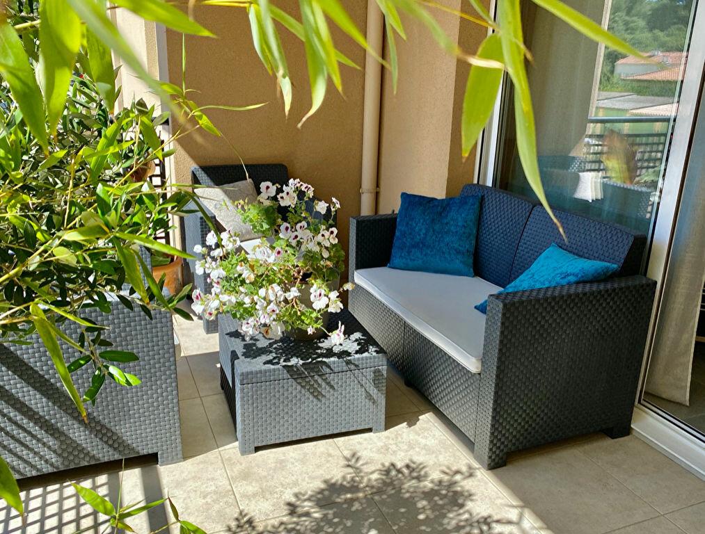 Appartement à vendre 3 64m2 à La Seyne-sur-Mer vignette-7