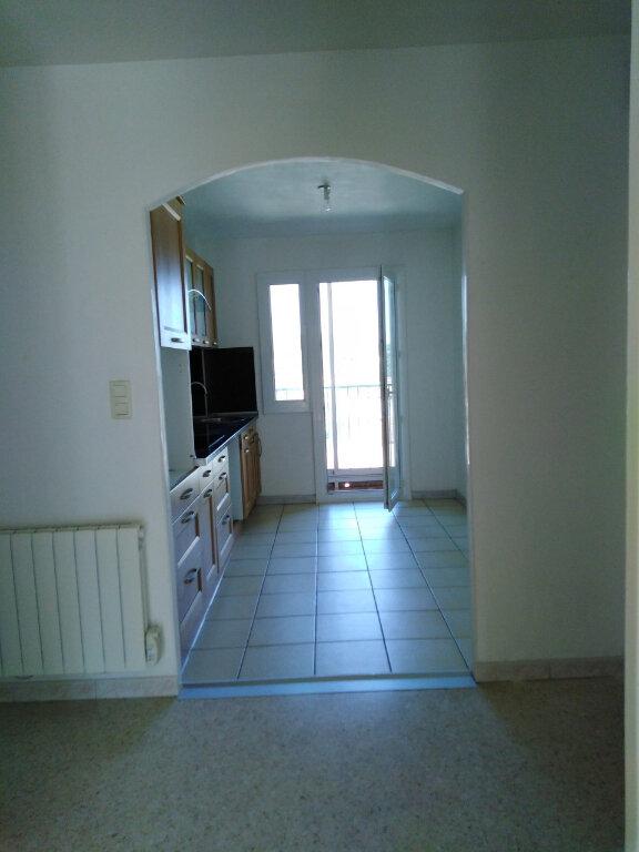 Appartement à louer 3 70m2 à Ollioules vignette-3