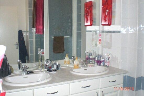Appartement à louer 3 70m2 à Ollioules vignette-4