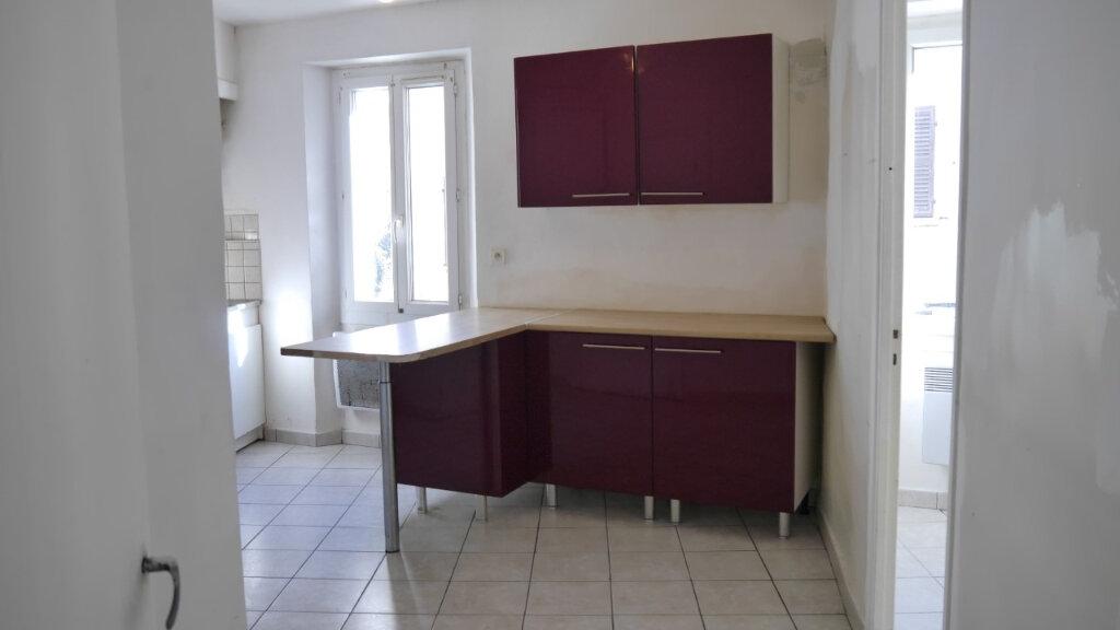 Appartement à louer 3 58m2 à Ollioules vignette-1