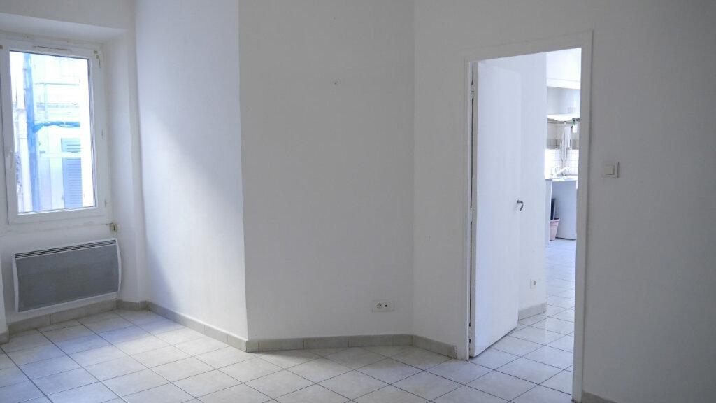 Appartement à louer 3 58m2 à Ollioules vignette-2