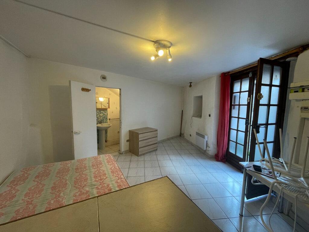 Appartement à louer 1 18m2 à Mende vignette-2