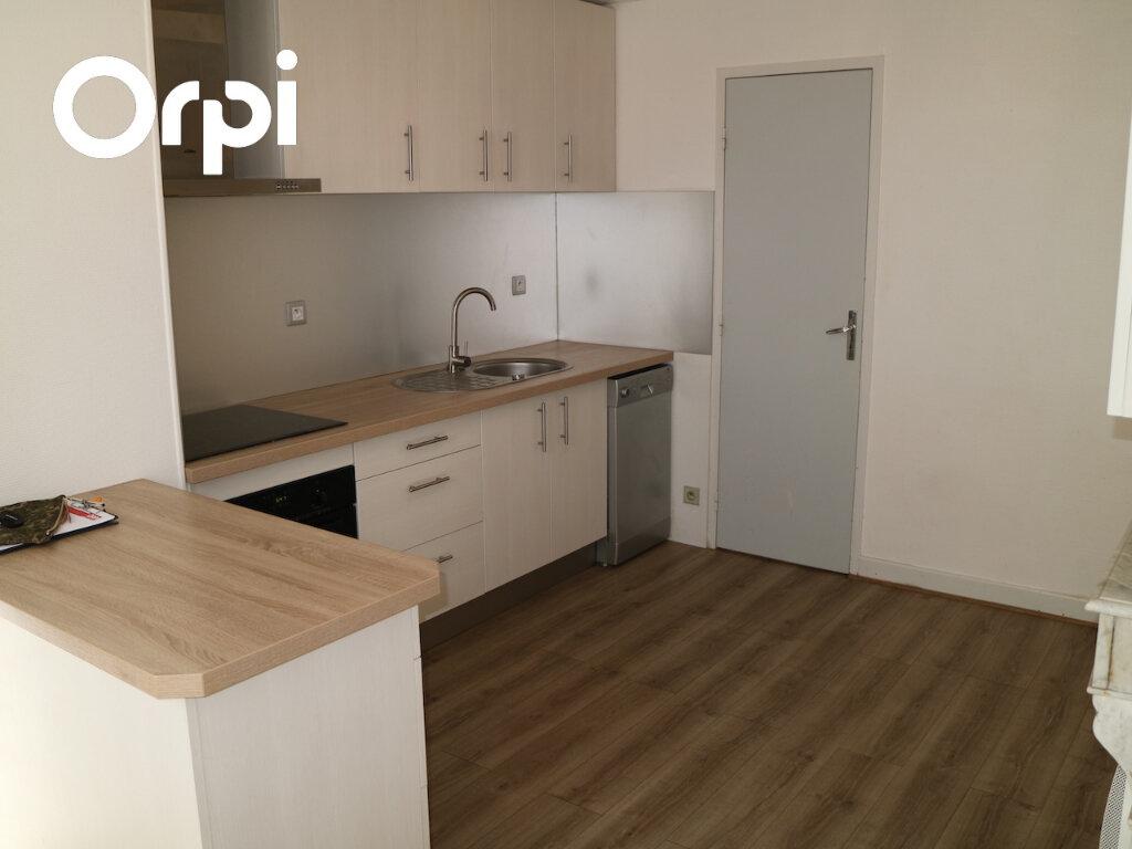 Appartement à louer 4 70m2 à Mende vignette-1