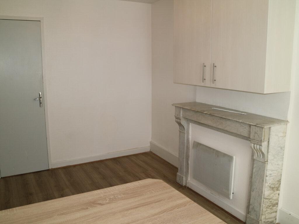 Appartement à louer 4 70m2 à Mende vignette-4