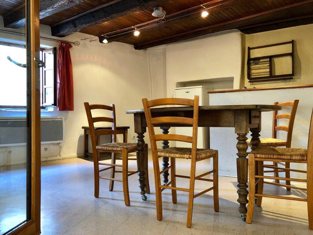 Appartement à louer 2 45m2 à Mende vignette-3