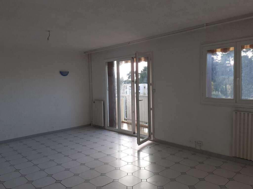 Appartement à louer 3 65m2 à Toulon vignette-2