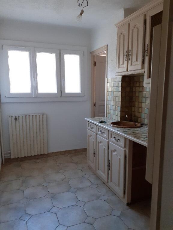 Appartement à louer 3 65m2 à Toulon vignette-4