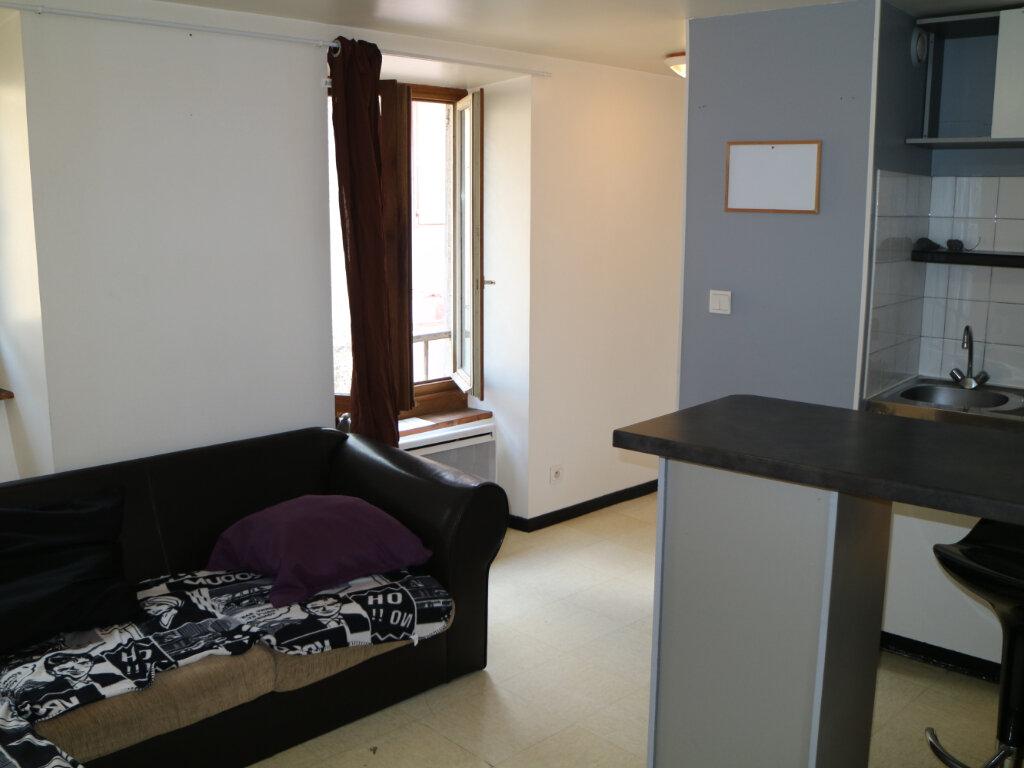 Appartement à louer 2 22m2 à Mende vignette-2