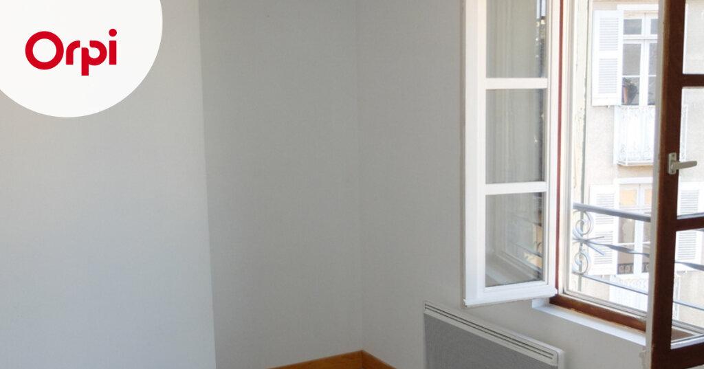 Appartement à louer 1 15m2 à Mende vignette-1