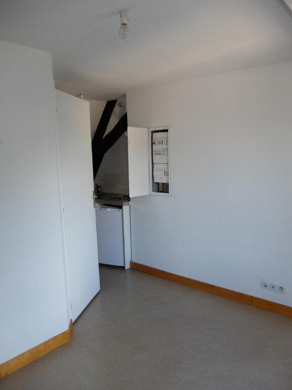 Appartement à louer 1 15m2 à Mende vignette-4