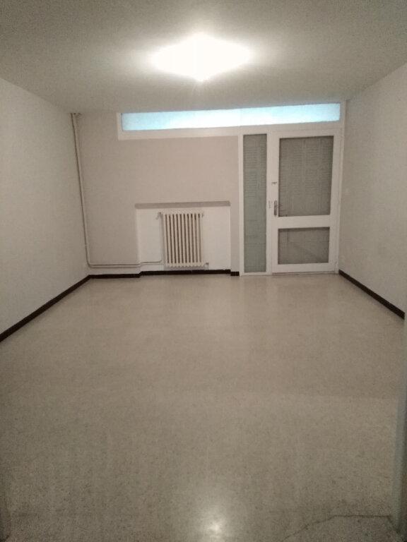 Appartement à louer 4 80m2 à Six-Fours-les-Plages vignette-4