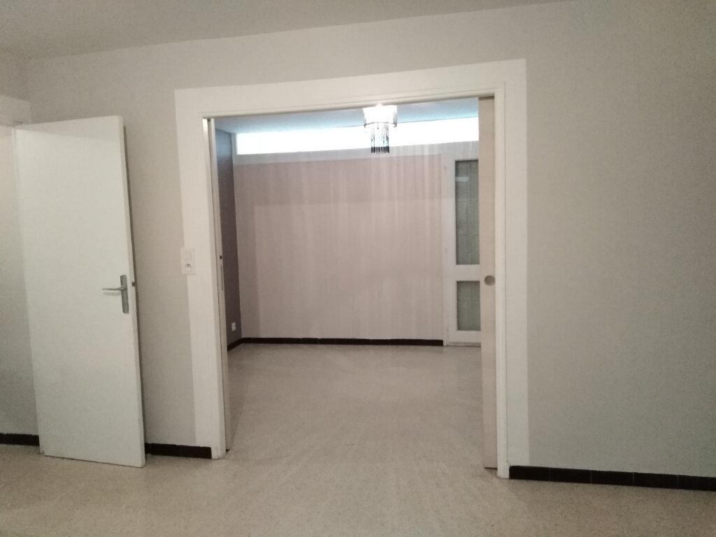 Appartement à louer 4 80m2 à Six-Fours-les-Plages vignette-5