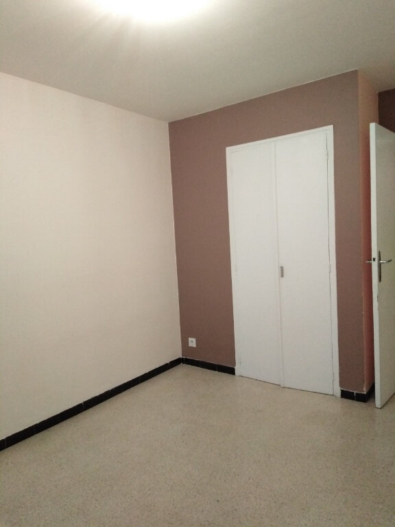 Appartement à louer 4 80m2 à Six-Fours-les-Plages vignette-6