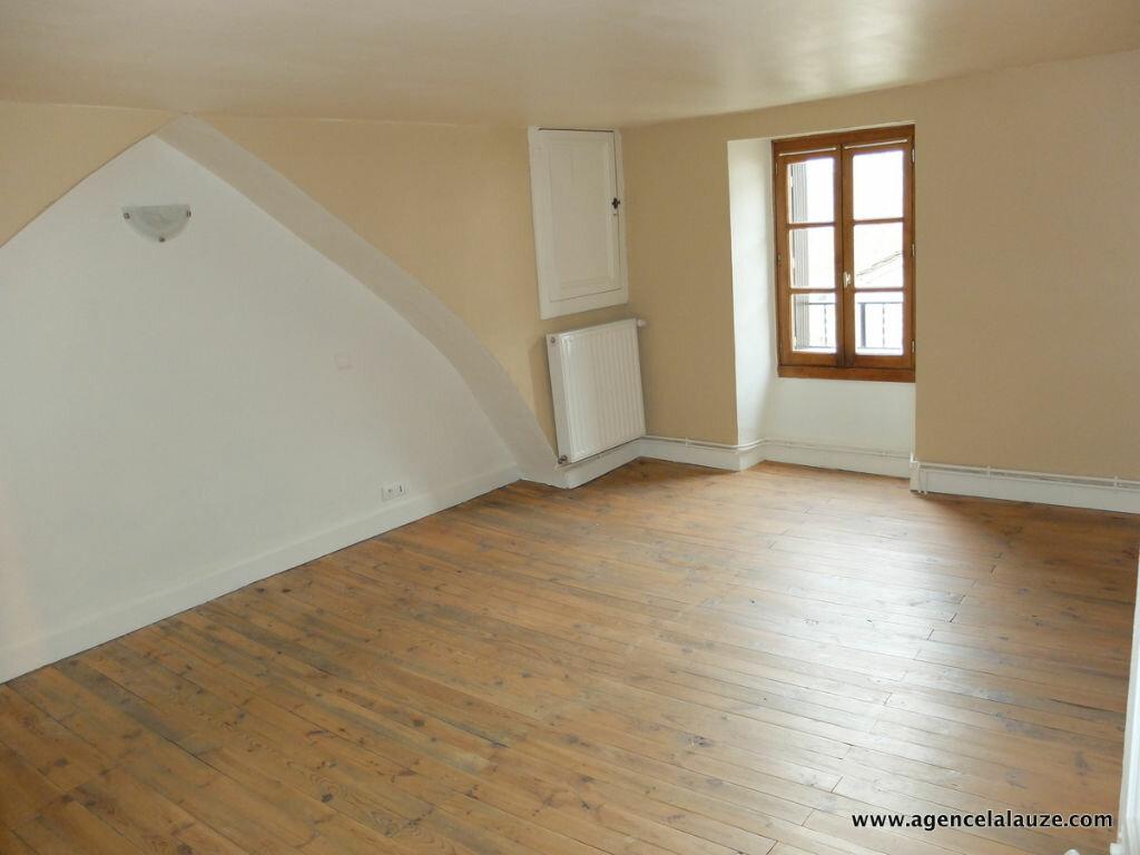 Maison à louer 3 66m2 à Esclanèdes vignette-4