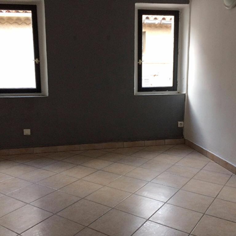 Appartement à louer 2 30m2 à Ollioules vignette-1