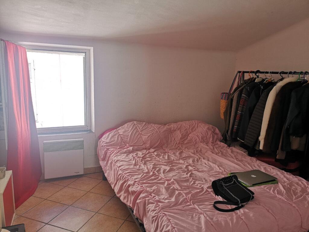 Appartement à louer 2 30m2 à Ollioules vignette-2