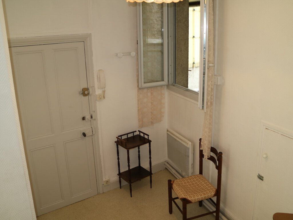 Appartement à louer 1 32m2 à Mende vignette-3