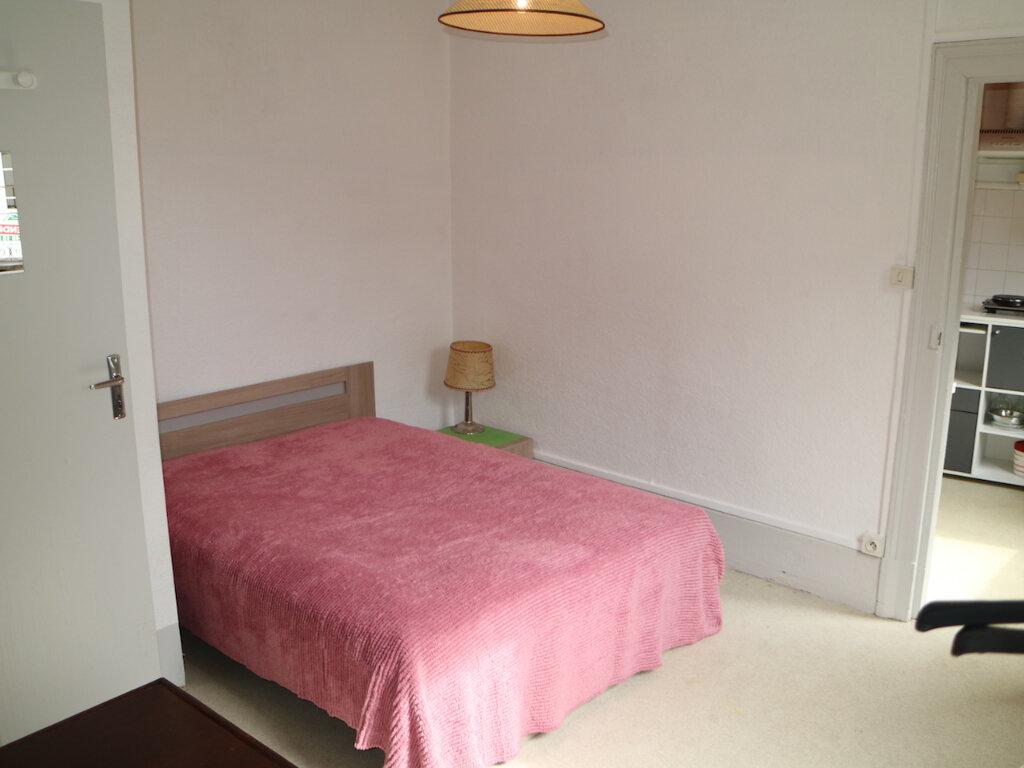 Appartement à louer 1 32m2 à Mende vignette-4